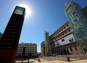 Soledad Lorenzo entrega 400 piezas al Reina Sofía