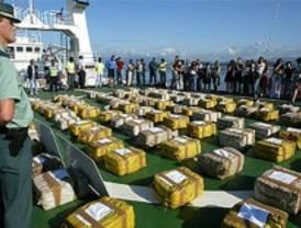 Interceptan en alta mar un pesquero con 3.000 kilos de cocaína