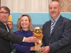 Del Bosque vuelve a ser el mejor seleccionador del mundo por segundo año