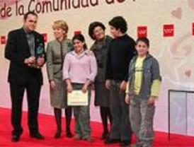 La Comunidad premia a Alicia Koplowitz por atender y proteger a la infancia