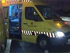 Fallece un joven al colisionar su turismo con un autobús