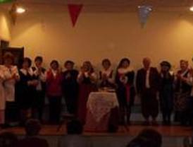 El grupo de teatro de mayores de Pozuelo actúa en Aravaca