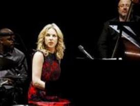 Diana Krall susurra a Madrid en clave de jazz