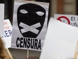 Los internautas se concentran frente al ministerio de Cultura para protestar contra la Ley Sinde
