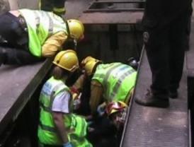 Herido grave un obrero al caer desde una altura de cinco metros en un taller de Chamberí