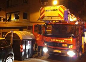 Los bomberos apagan un incendio en una vivienda desocupada de Las Rozas