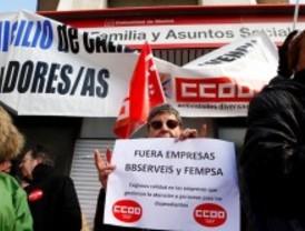 A la huelga tras dos meses sin cobrar