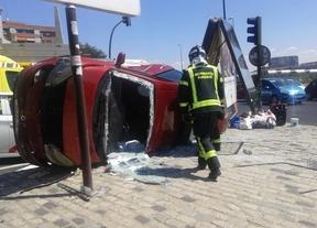 Un taxi colisiona con otro coche en Pirámides y cuatro mujeres resultan heridas