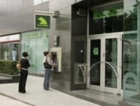 La fusión de Caja Madrid traerá 3.400 prejubilaciones y el cierre de 500 oficinas