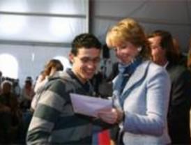 Aguirre entrega 248 pisos del Plan Joven en Navalcarnero