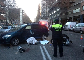 Muy grave un motorista tras un choque en la calle Orense
