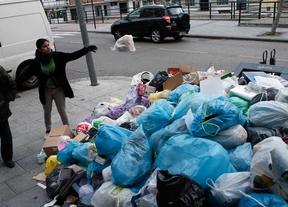 Empresa y sindicatos acuerdan paralizar la huelga de basuras de Alcorcón