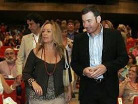Gómez inicia en Parla la campaña para liderar el PSM y Jiménez lo hace en Coslada