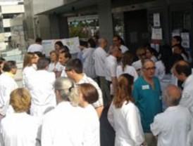 200 médicos se concentran en La Paz en su tercer día de huelga contra los recortes
