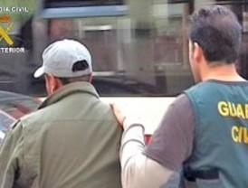 La Guardia Civil libera a dos 'camellos' secuestrados por adeudar cocaína