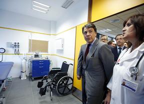 Ignacio González inaugurando el centro 'Primero de Mayo'