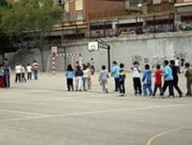 El PSOE critica la falta de colegios y la