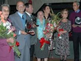 13 bodas de oro y un 102 cumpleaños en la Semana  de los Mayores de Parla