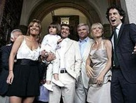 El hijo de Cayeta Guillén Cuervo protagoniza el primer bautizo civil de Madrid
