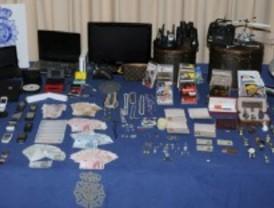 Tres detenidos por robo en domicilios
