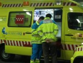 Un accidente entre un autobús y un turismo deja un herido y 8 km de retención en la A-1