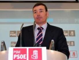 Tomás Gómez limpia de críticos la Asamblea y la agrupación de Móstoles