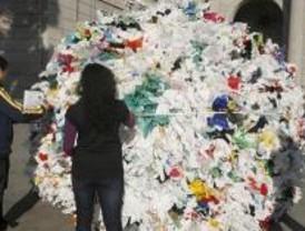 Una bola de 18.000 bolsas de plástico por un acuerdo