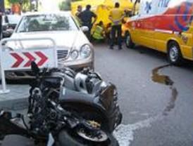 Muere un hombre tras sufrir un accidente de moto en plaza de Castilla