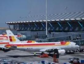 Cancelados cinco de los 51 vuelos entre Madrid y París por temporal