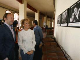 Aguirre visita en Las Ventas la muestra '100 años de toros'