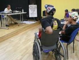 'El Langui' imparte un taller de rap en Leganés