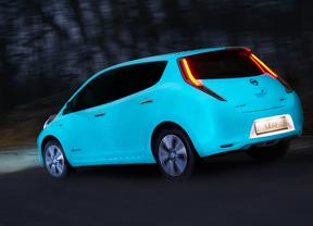 El primer coche que brilla en la oscuridad