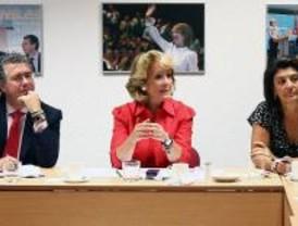 Aguirre se baja el sueldo un 2% y recomienda a todos los políticos de Madrid hacer lo mismo