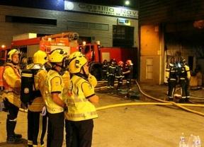 Cuatro heridos leves en un incendio en Villaverde