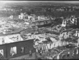 Una exposición recupera un archivo fotográfico sobre la vida en Madrid durante la Guerra Civil
