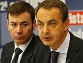 Zapatero respalda a Tomás Gómez y recomienda a Gallardón que reduzca sus gastos
