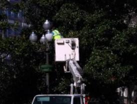 Los trabajadores del alumbrado público aplazan los paros hasta septiembre