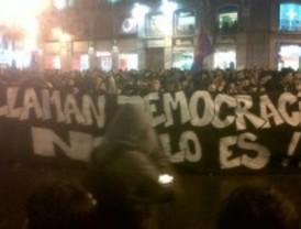 Medio millar de antifascistas se manifiestan por el centro de Madrid