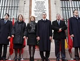 Silencio y tristeza en el homenaje a las víctimas