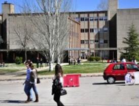 Madrid recorta casi 300 millones en Educación