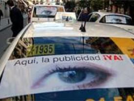 Los taxistas, contrarios al monopolio en el control de la publicidad