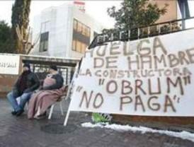 Ocho albañiles hacen huelga de hambre para reclamar una deuda salarial