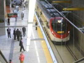 10.000 viajeros usaron el tren a la T-4 en su primer fin de semana en funcionamiento