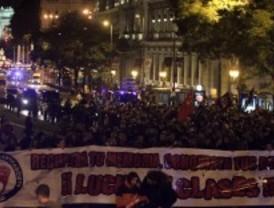 Nostálgicos del régimen y antifascistas se disputan la calle en la conmemoración del 20-N