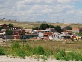 Los vecinos piden que se paren los derribos de casa en la Cañada