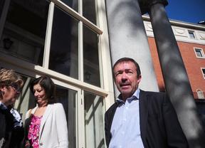 Victoria asegura que Carrillo tiene que convocar elecciones