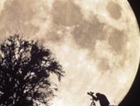 Un telescopio rememorará los 40 años de la llegada del hombre a la Luna en Chamberí