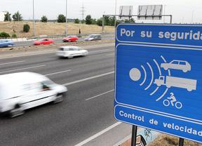 La DGT no aplica, en los radares, los márgenes de error que indica la ley
