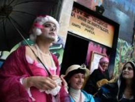 Protesta contra la instalación de dos gasolineras en Hortaleza