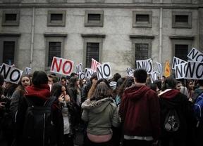 Manifestación contra el decreto 3+2 en la universidad